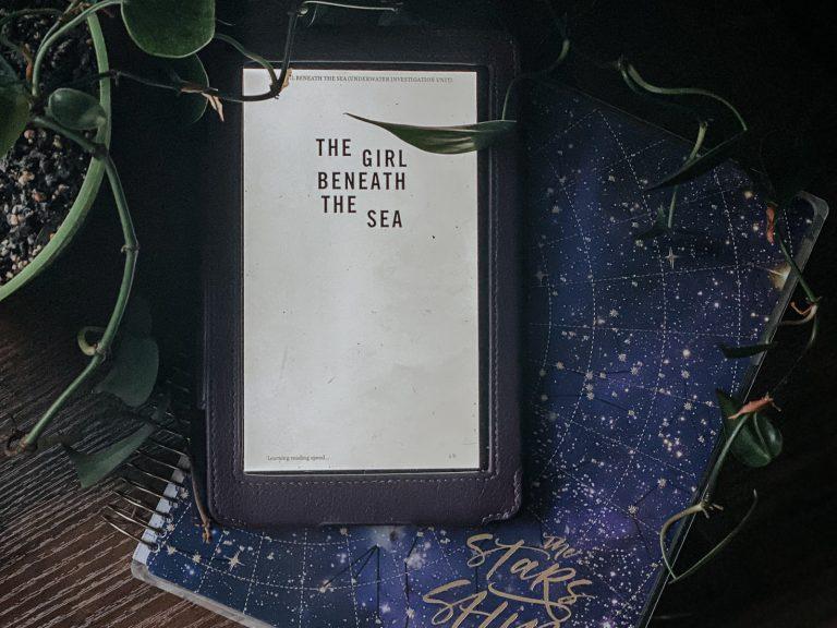 The Girl Beneath the Sea (Underwater Investigation Unit #1)
